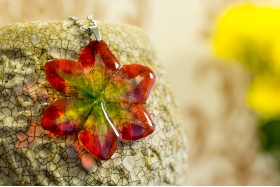 Amaryllis necklace