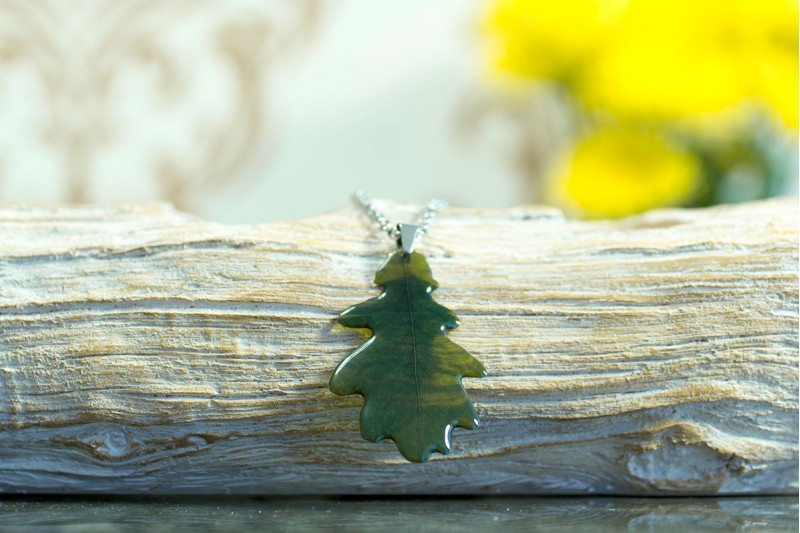 British Oak small necklace