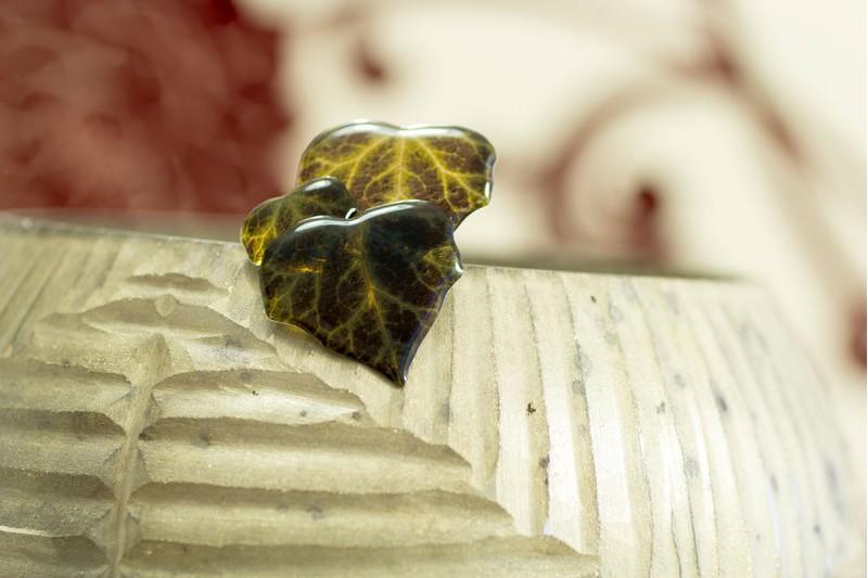 Dark ivy brooch