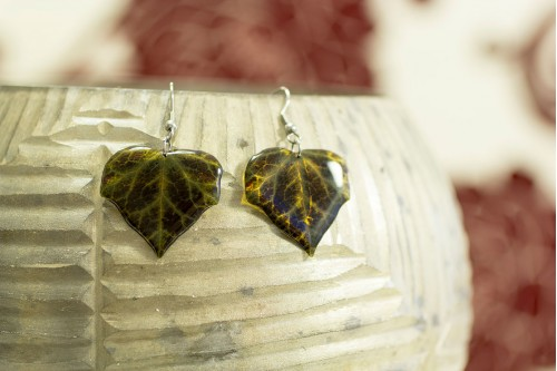 Dark ivy earrings