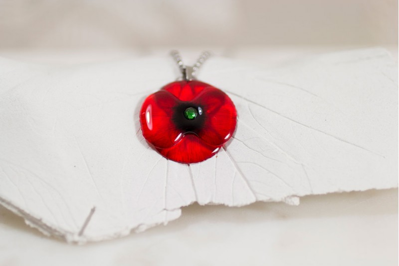 Poppy small necklace